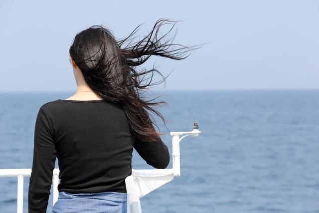 最近髪が絡まりやすくなったと感じる方への対処法